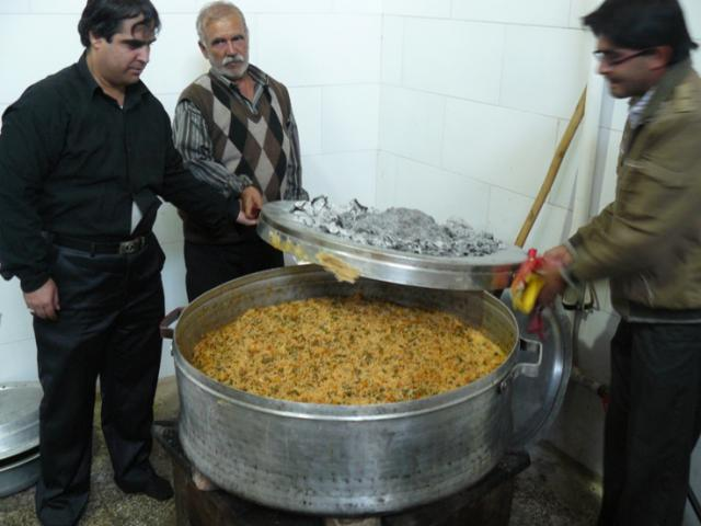 Sirjan, cooking on muslim celebrations